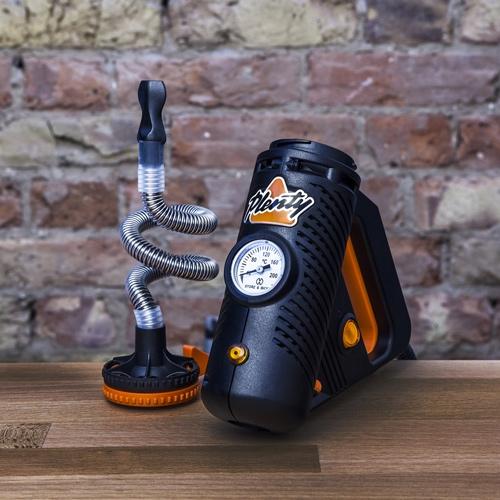 Le vaporisateur Plenty a un look unique et ressemble à un outil électrique